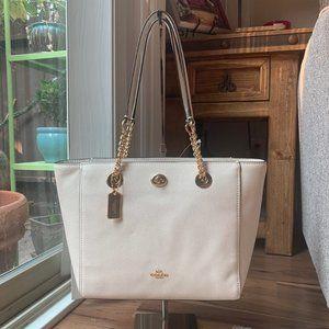 Coach NWT Turnlock Large Leather Handbag 57107